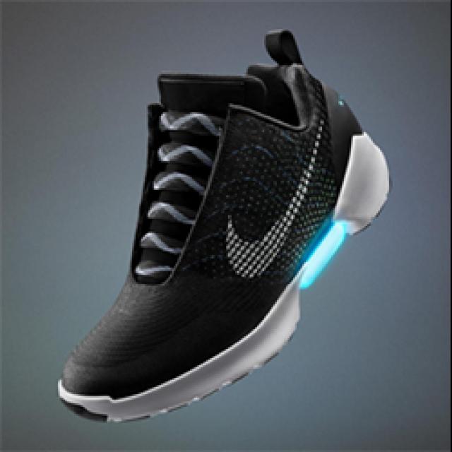 HCC Nike gaat zelfstrikkende schoenen verkopen