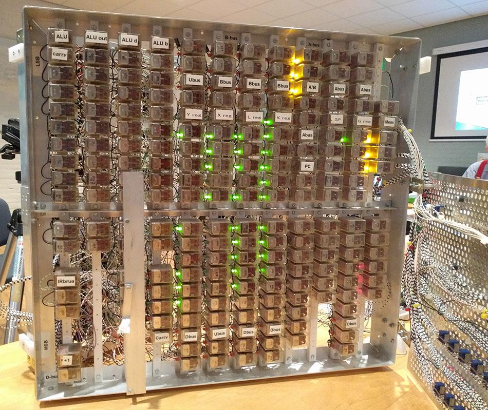 Foto 5 Relaiscomputer