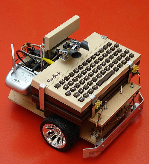 Foto 6 NewBrain robot auto