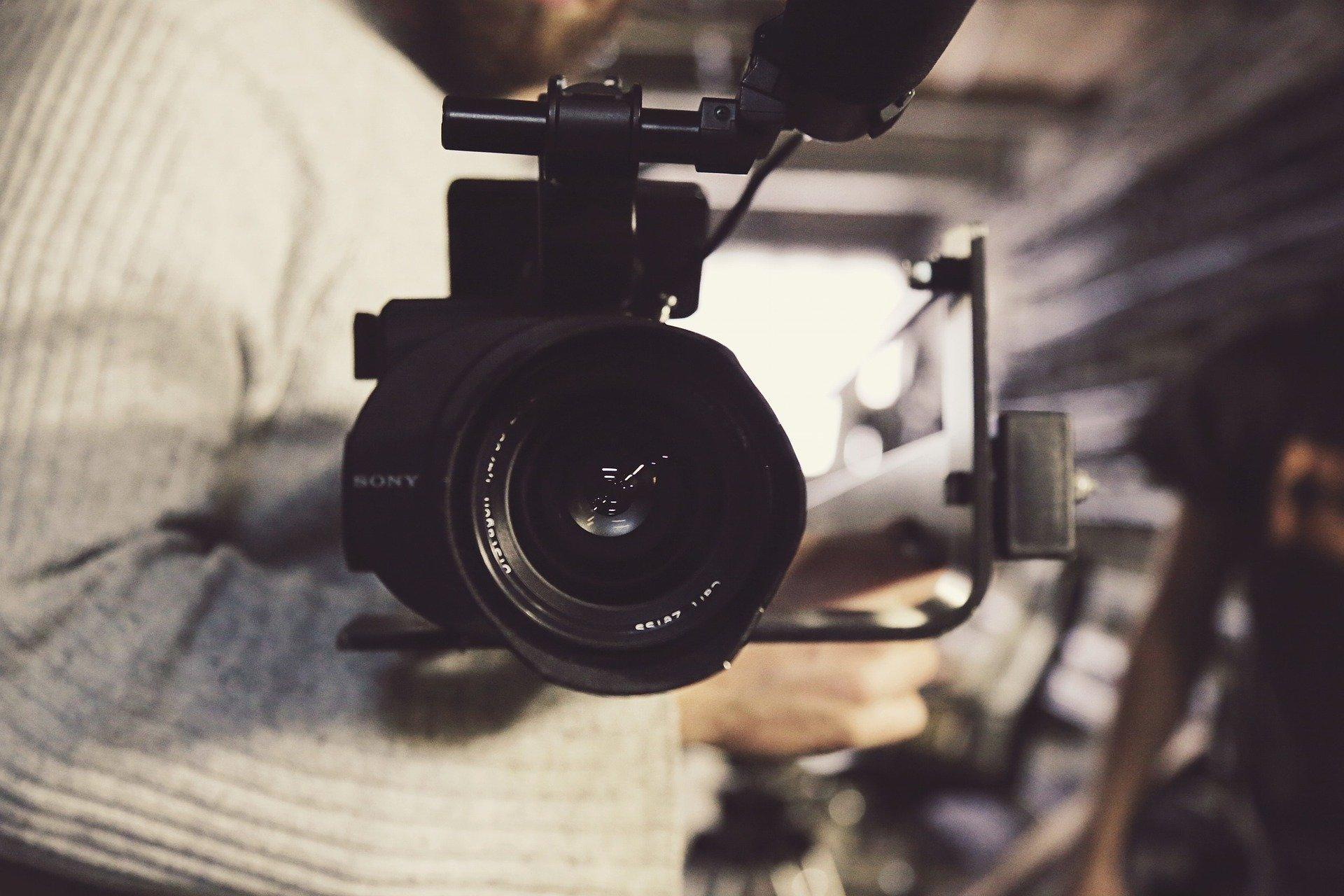 camera 690163 1920